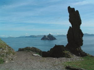The Wailing Woman stone and Small Skellig
